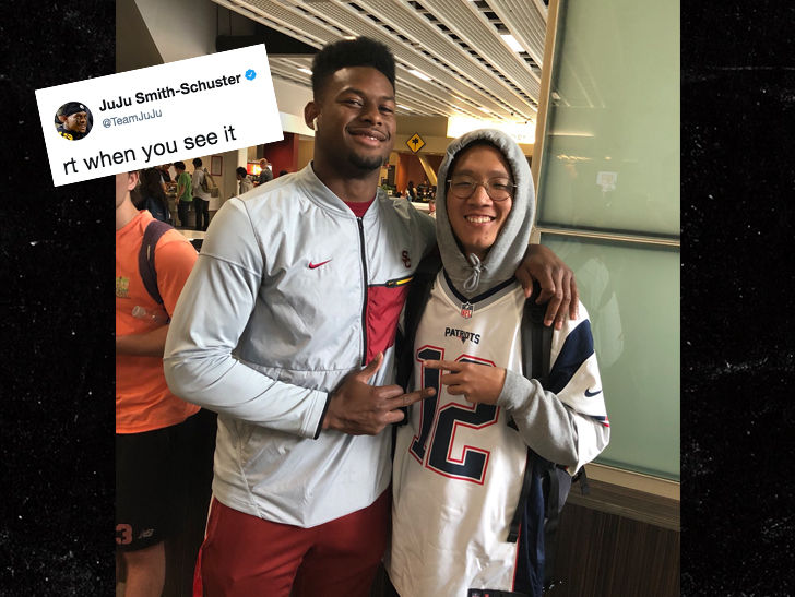 Juju Smith Schuster >> JuJu Smith-Schuster Flips Off Pats Fan In Tom Brady Jersey | TMZ.com