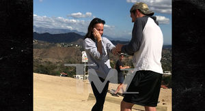 'Amazing Race' Stars Cody and Jessica Engaged After Runyon Canyon Proposal