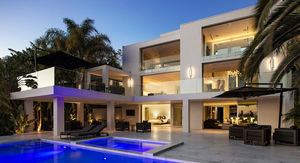 Justin Bieber Downsizes With New $17.9 Million WeHo Rental