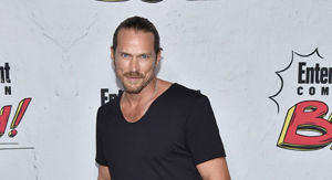 Kim Cattrall's 'Sex and the City' Love Interest Jason Lewis Says He's Team SJP