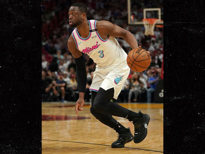 Dwyane Wade Honors Parkland Shooting Victim on Shoes, Hits Game-Winner