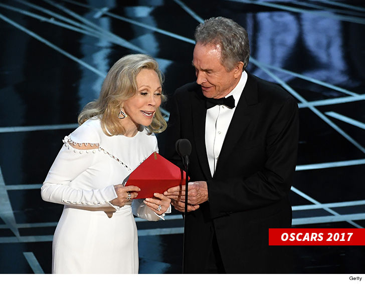 Oscars make changes to prevent another envelope error