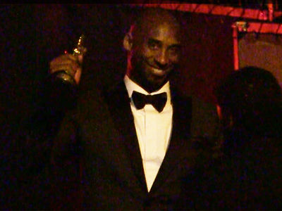 Kobe Bryant Cheered at Oscars Despite Rape Case, Seacrest Shunned By Some