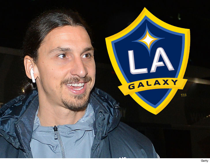 Ibrahimovic confirms move to Galaxy with full-page ad