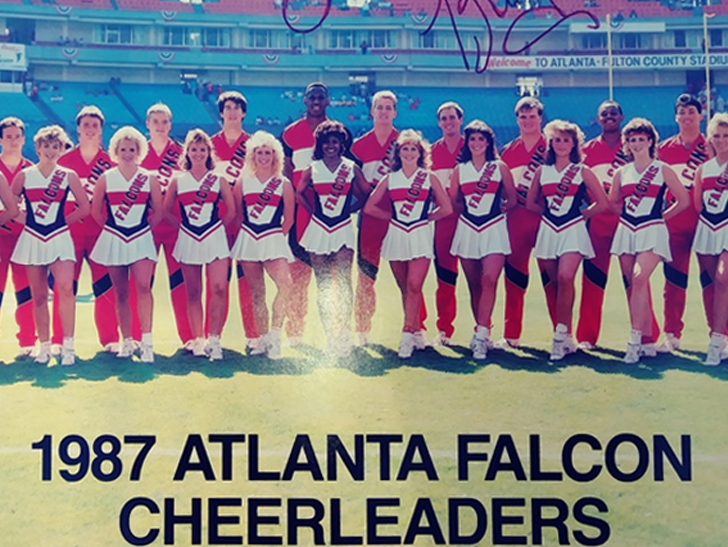 Meet The NFL's First Male Cheerleaders!