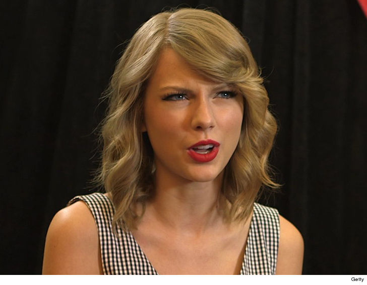 Taylor Swift Stalker Arrested With Knife, Rope at Her House