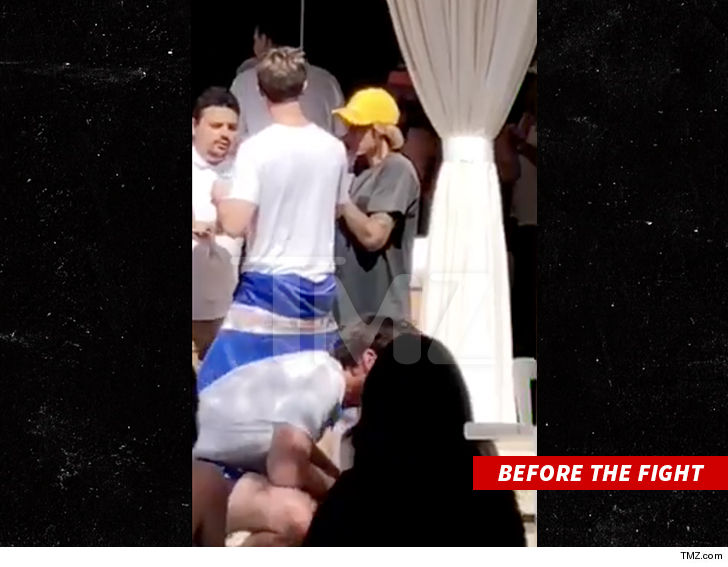 https://media.tmz.com/2018/04/15/0415-justin-bieber-at-coachella-party-tmz-4.jpg